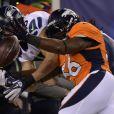Nate Irving et Jermaine Kearse lors du 48e Super Bowl entre les Broncos de Denver et les Seahawks de Seattle, le 2 février 2013 au Metlife Stadium de New York à East Rutherford, dans le New Jersey