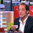 """Vincent Lindon en sang dans """"C à vous"""" sur France 5 le 3 février 2014."""