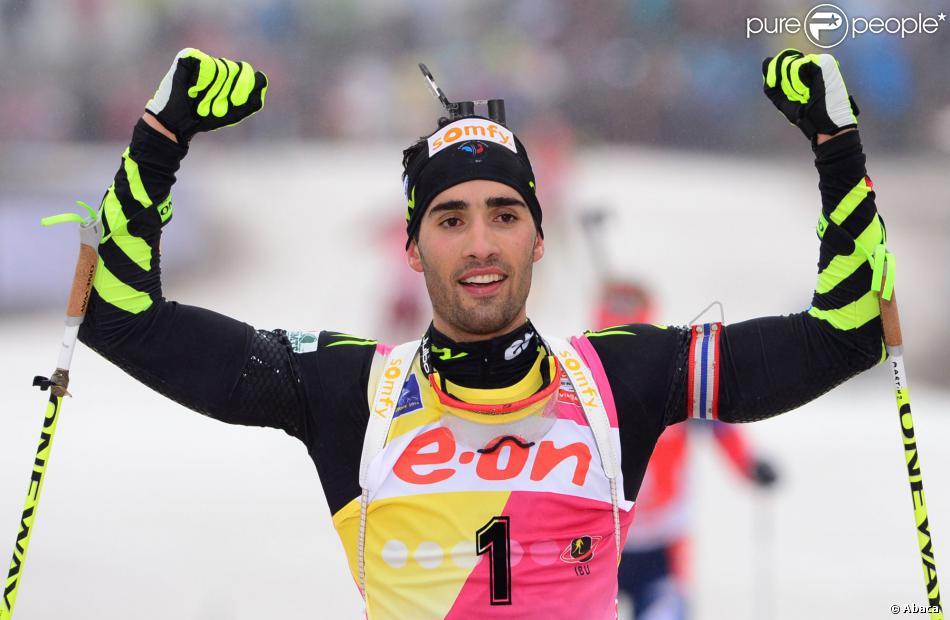 Martin Fourcade après sa victoire sur le 15 km départ en ligne lors de la Coupe du monde à la DKB ski arena de Oberhof, le 5 janvier 2014