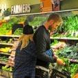 Rita Ora et son petit ami Calvin Harris font leurs courses à Whole Foods à Los Angeles, le 6 février 2014.