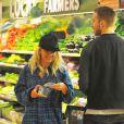"""""""Rita Ora et son petit ami Calvin Harris font des courses à Whole Foods de Los Angeles, le 6 février 2014."""""""