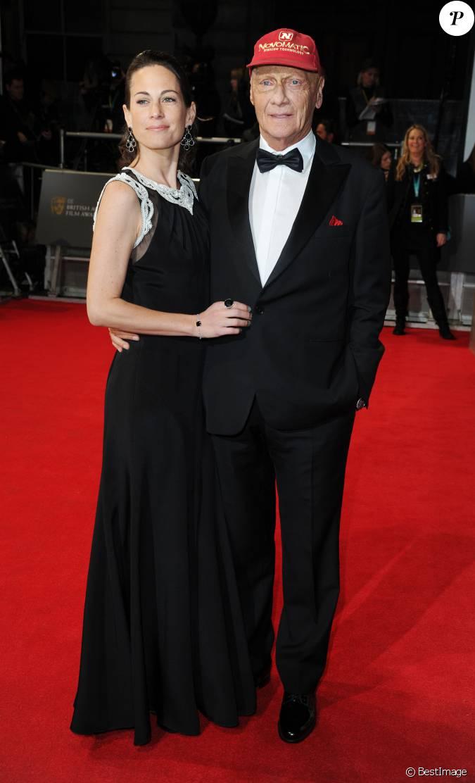 niki lauda et sa femme birgit wetzinger lors de la c r monie des bafta awards londres le 16. Black Bedroom Furniture Sets. Home Design Ideas