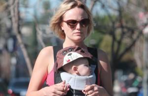 Malin Akerman : Nouveau look lors d'une promenade avec son bébé