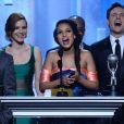 """Kerry Washington (enceinte) remporte le trophée de meilleure actrice pour son rôle dans la série """"Scandal"""" lors de la soirée des NAACP Image Awards à Pasadena, le 22 février 2014."""