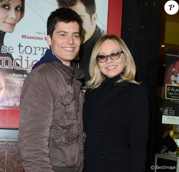 Andrea Fachinetti et sa mère Ornella Muti lors de la présentation du film Se tornassi indietro à Milan le 25 février 2014