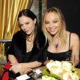 """Ornella Muti et sa fille Naike Rivelli lors de la """"Schoko Fashion Party 2013"""" à Cologne, le 28 janvier 2013"""