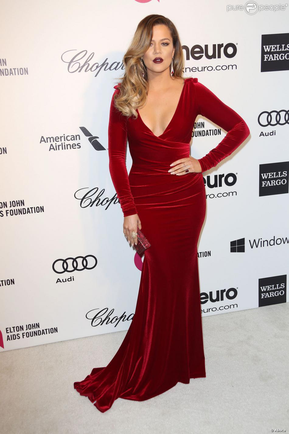 Khloe Kardashian lors de la 22e édition des Elton John AIDS Foundation Academy Awards à West Hollywood, Los Angeles, le 2 mars 2014