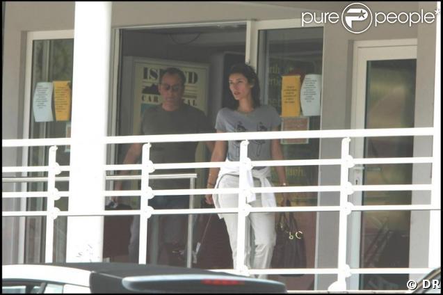 Jean Reno et sa femme Zofia Borucka arrivent à St-Barth