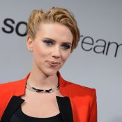 Scarlett Johansson, enceinte : Élégante pour le séduisant et barbu Chris Evans