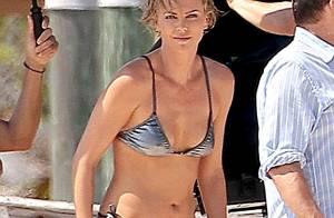 Charlize Theron : Super sexy dans son bikini, elle s'éclate avec son fils
