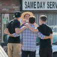 Kevin Connolly et Kevin Dillon sur le tournage du film Entourage à Los Angeles le 26 février 2014