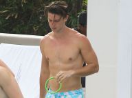 Patrick Schwarzenegger musclé et torse nu : Il affole les filles à la piscine