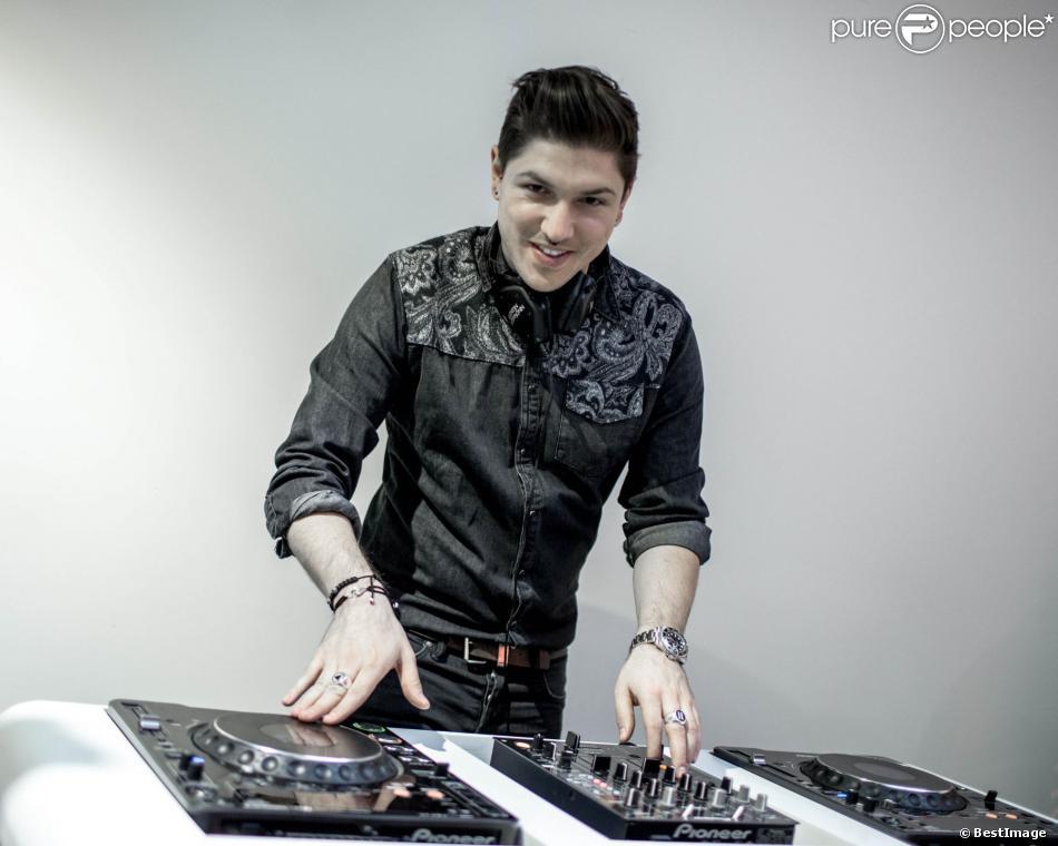 Exclusif - Quentin Mosimann, lors d'un set chez DJ Center à Paris, le 12 novembre 2013.