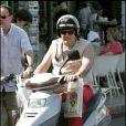 Exclusif : Gérard Depardieu en scooter à Saint-Tropez le 15 juillet 2005