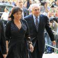 Dominique Strauss-Kahn et sa femme Anne Sinclair arrivent à la cour pénale de New York, le 23 août 2011.