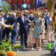 La reine Maxima et le roi Willem-Alexander des Pays-Bas célébraient le Koningsdag (Jour du roi) à De Rijp, le 26 avril 2014 à l'occasion des 47 ans du souverain, entouré de leurs filles, les princesses Catharina-Amalia, Alexia et Ariane
