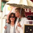 Sally Field a reçu son étoile sur le Walk of Fame, à Hollywood, le 5 mai 2014, devant Jane Fonda et Beau Bridges.