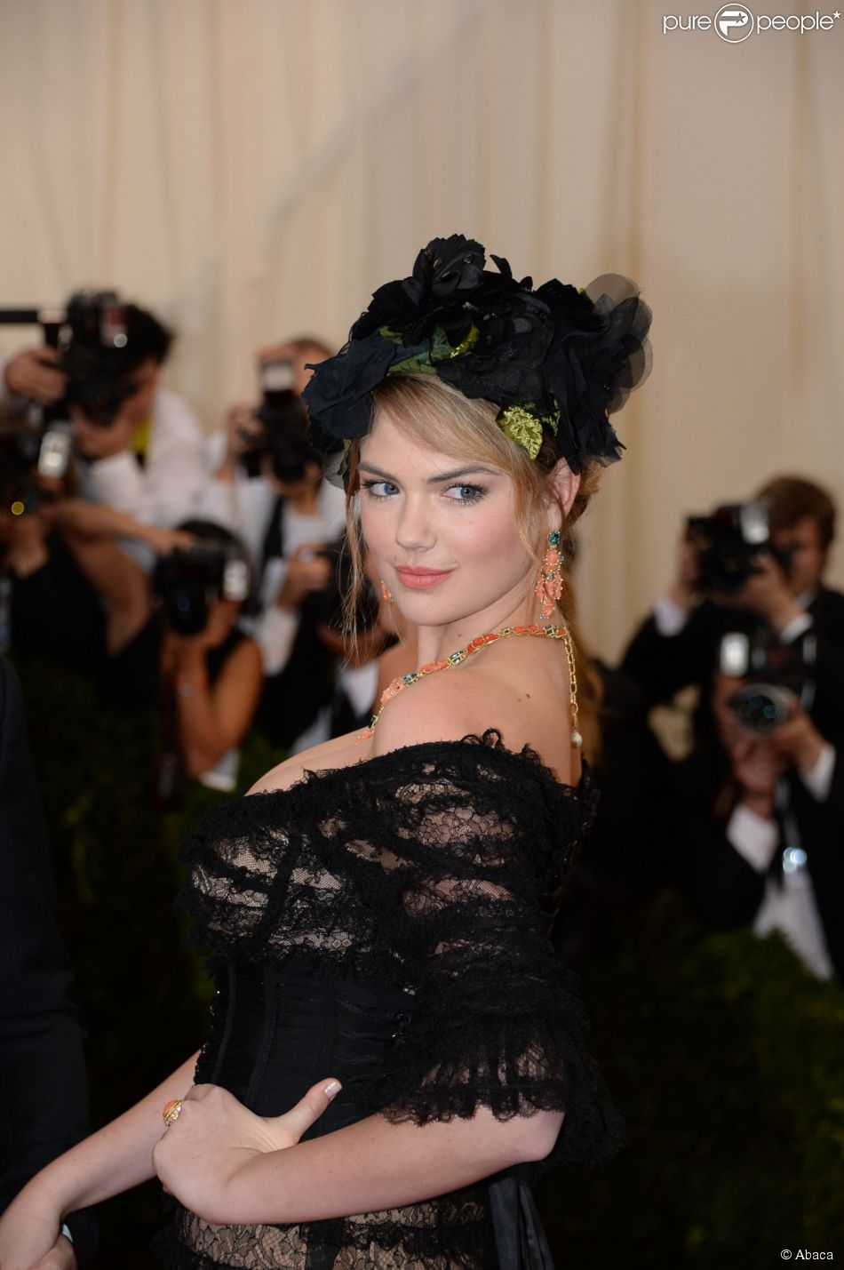 Kate Upton assiste au MET Gala au Metropolitan Museum of Art. New York, le 5 mai 2014.
