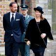 Le prince Haakon de Norvège et la princesse Märtha-Louise lors de l'hommage au défunt prince Friso d'Orange-Nassau le 2 novembre 2013 à Delft, aux Pays-Bas.
