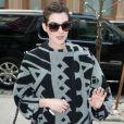 Anne Hathaway rentre à son hôtel à New York, le 8 avril 2014.