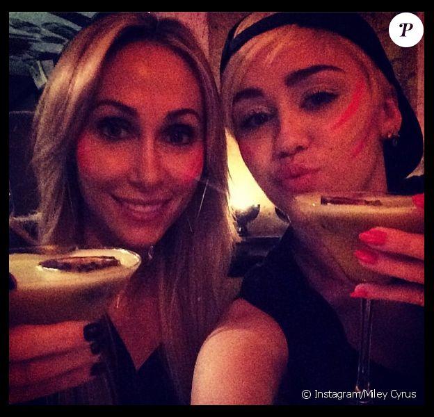 Miley Cyrus a fêté l'anniversaire de sa mère Tish, le 13 mai 2014.