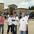 Exclusif - Franck Dubosc et Jean-Marie Bigard après leur match de pétanque, prennent un cours de pilotage de drone - Le 1er Trophée du Sud des Alpes à Mougins a eu lieu sur la Côte d'Azur du 2 au 4 mai.