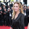 Claire Keim (Robe de Jay Ahr et j-bijoux AMP Monaco) à la montée des marches de Respire, à l'occasion du 67e Festival de Cannes, le 18 mai 2014.