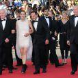 """Jean-Pierre Dardenne, Marion Cotillard, Fabrizio Rongione et Luc Dardenne arrivent à la montée des marches du film """"Deux jours, une nuit"""" lors du 67 ème Festival du film de Cannes le 20 mai 2014."""