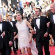 """Jean-Pierre Dardenne, Marion Cotillard, Fabrizio Rongione et Luc Dardenne - Montée des marches du film """"Deux jours, une nuit"""" lors du 67 ème Festival du film de Cannes le 20 mai 2014."""