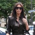 La future mariée Kim Kardashian arrive au restaurant L'Avenue à Paris pour un déjeuner en famille. Le 22 mai 2014