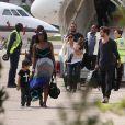 Scott Disick, Kourtney Kardashian, leur fille Pénélope et d'autres invités du mariage de Kim Kardashian et de Kanye West arrivent à l'aéroport du Bourget, en provenance de Florence. Le 25 mai 2014.