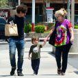 Thomas Ian Nicholas et son fils Nolan River (3 ans) à Los Angeles, le 25 mai 2014.