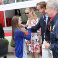 Pierre Casiraghi retrouve sa demi-soeur la princesse Alexandra de Hanovre sous les yeux de sa compagne Beatrice Borromeo, le 25 mai 2014 au Grand Prix de Monaco