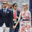 Pierre Casiraghi et sa compagne Beatrice Borromeo, lookée dans un esprit hippie chic, le 25 mai 2014 au Grand Prix de Monaco