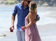 Kaley Cuoco et Ryan Sweeting : Tendre et câlin, le couple amoureux sur la plage