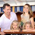 Felipe d'Espagne et Letizia avec leurs filles Leonor et Sofia à Majorque en août 2012.