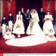 Un tout jeune Lord Nicholas Windsor (debout au fond, à gauche) prenait part en juillet 1981 au mariage du prince Charles et de Diana.