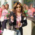 LaToya Jackson quitte la boutique Louis Vuitton à Beverly Hills, Los Angeles, le 31 mai 2013.