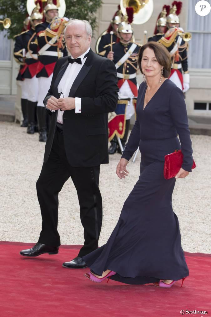 Hubert v drine et sa femme lors du banquet l 39 elys e donn en l 39 honneur de la reine elizabeth - Raphael de casabianca et sa femme ...