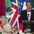 Elizabeth II et François Hollande lors du banquet à l'Elysée donné en l'honneur de la reine Elizabeth II, Paris, le 6 juin 2014.