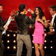 La belle Sandra Bullock a reçu le prix 'Decade of Hotness', des mains de Matthew McConaughey, Keanu Reeves et Hugh Grant lors des Spike TV's 'Guys Choice 2014, à Los Angeles, le 7 juin 2014.