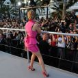 """Kylie Minogue en live dans """"Le Grand Journal"""" durant le Festival de Cannes, le 20 mai 2014."""
