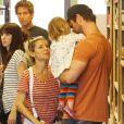 Elsa Pataky et Chris Hemsworth se baladent avec leur fille India (mais sans leurs jumeaux récemment venus au monde), à Malibu, Los Angeles, le 9 avril 2014.