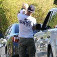 Exclusif - Josh Duhamel à Brentwood avec son fils Axl, le 12 juin 2014.