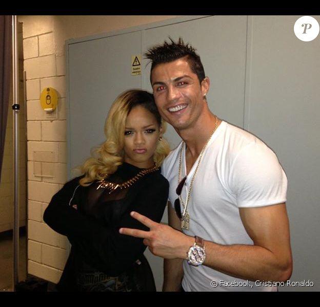 Rihanna au côté de Cristiano Ronaldo, image publiée sur Facebook le 29 mai 2013