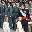 Le roi Felipe VI, la reine Letizia d'Espagne et leurs filles, la princesse Leonor et l'infante Sofia, arrivent au parlement pour la cérémonie d'investiture à Madrid. Le 19 juin 2014.