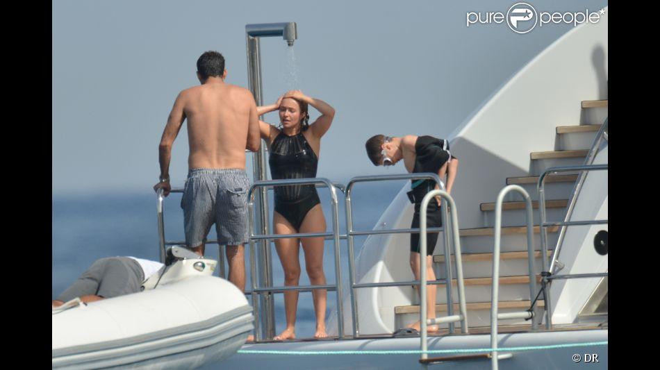 Hayden Panettiere, enceinte, et son fiancé  Wladimir Klitschko en vacances du côté de Saint-Tropez, juin 2014.