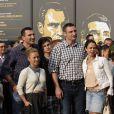 Hayden Panettiere enceinte, en compagnie de son fiancé Wladimir Klitschko, inaugure une exposition consacrée aux frères Vitali et Wladimir Klitschko, champions du monde de boxe, à Kiev le 2 mai 2014.