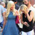 Tori Spelling et Jennie Garth dans le quartier de Soho, à New York, le 24 juin 2014.