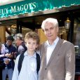 Laurent Laffont et son fils Paul lors du déjeuner Père & Fils, mardi 24 juin 2014, aux Deux Magots à Paris.